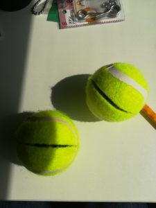 テニスボール切込み